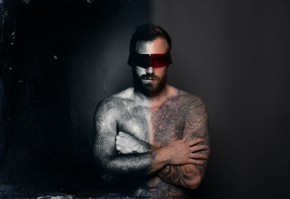 Markus-Hofstaetter-divisions-a-portrait-done-with-invisinle-light-Wetplate-digital-version-www.mhaustria.com_