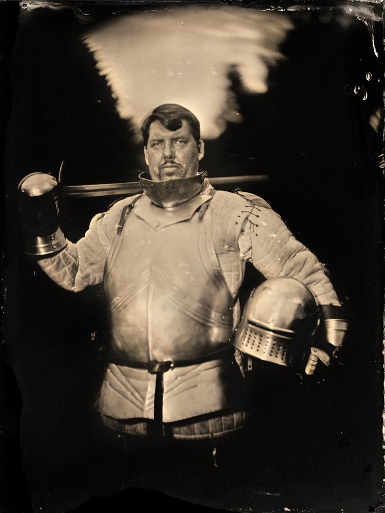 Markus_Hofstaetter_mhaustria.com_Medieval_Knight_Sword_Fighter_wetplate_portrait_full_body