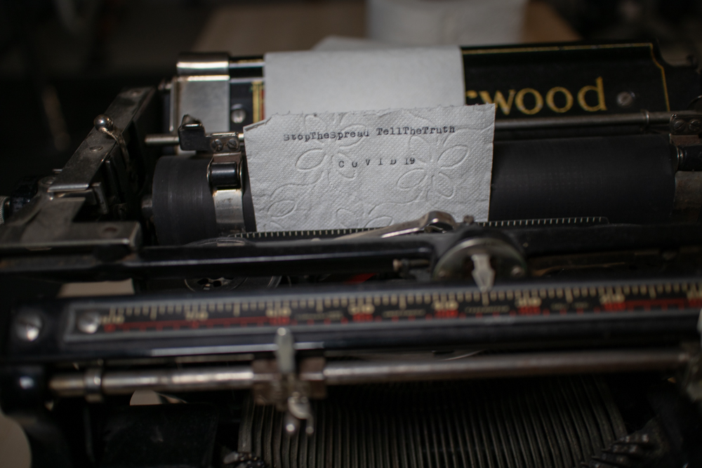 covid19_typwriter_toiletpaper_stopthespread_tellthetruth_markus_hofstaetter_ii