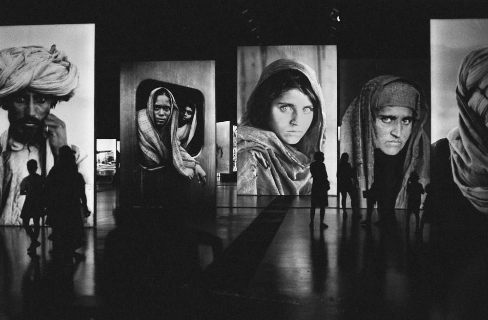Steve_McCurry_Exhibition_Graz_Kodak_tri_x_push2_Canon_Eos_50e_markus_Hofstaetter_mhaustria.com14