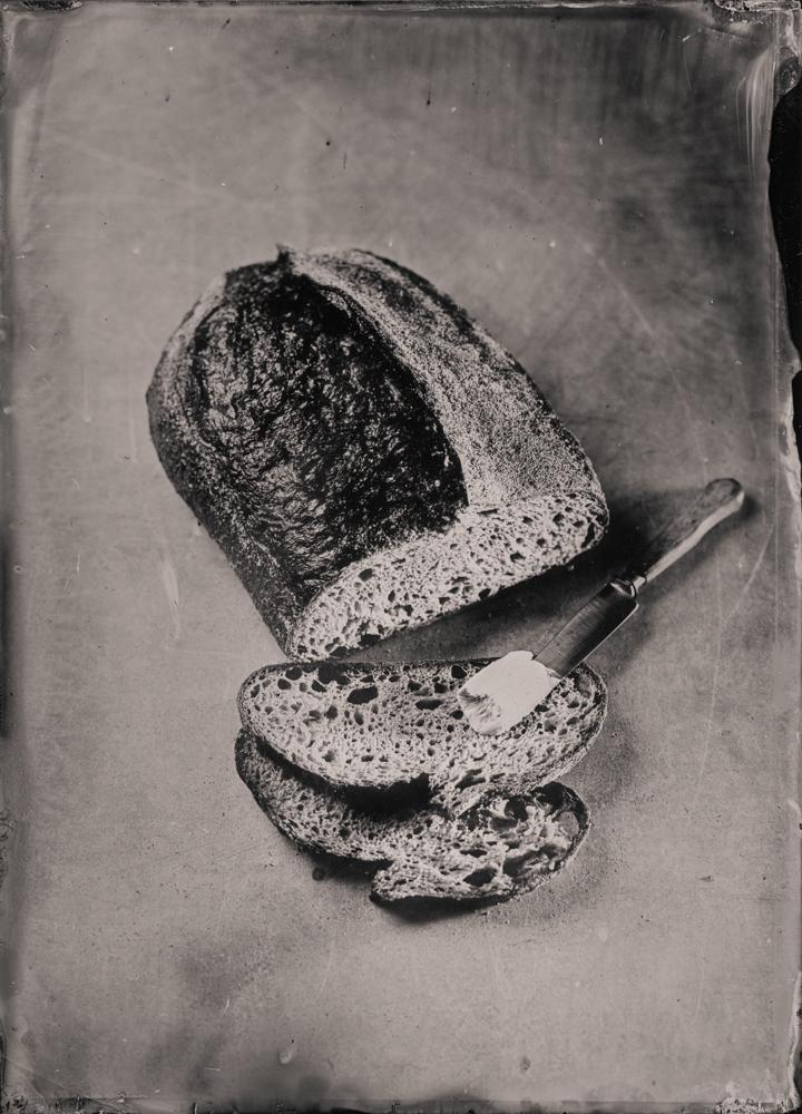 sourdough_bread_wet_plate_food_photography_markus_hofstaetter_hans_gerlach_mhaustria.com_2