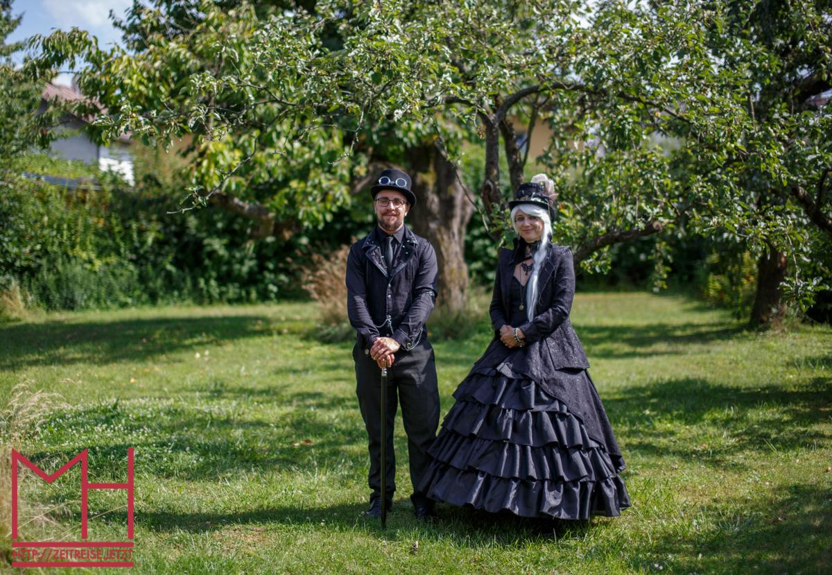 Steampunk Verlobungsshootng im viktorianischen Stil auf Kollodium Nassplatte